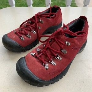 Keen Hiking Shoes Suede Size 7.5